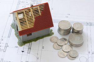 Wie viel Geld brauche ich für meine erste Immobilie? Wenn du eine gute Bonität hast, finanziert dir die Bank bis zu 100% des Kaufpreises.