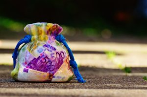 Mit der richtigen Höhe der Instandhaltungsrücklage kannst du in guten Zeiten Geld zurücklegen um es sicher zu haben sobald du es braucht