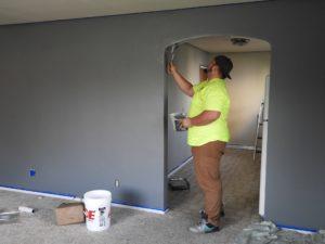 Egal ob Malerarbeiten oder eine Dachsanierung: Bei einer Immobilie hast du regelmäßig Kosten um deine Immobilie instand zu halten.
