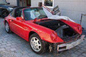 Dieses Auto ist aktuell nicht fahrtüchtig. Reparierst du eine Sache in deiner Wohnung, handelt es sich um eine Instandsetzungsmaßnahme, für die du von deinem Mieter kein Geld verlangen kannst.