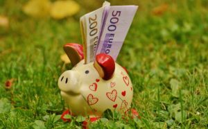 Als Eigentümergemeinschaft müsst ihr Geld für Instandhaltungsarbeiten an eurer Anlage ansparen. Diese sind ebenfalls bereits im Hausgeld enthalten.