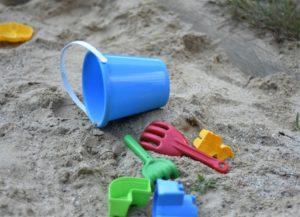 Bauen du oder die Eigentümergemeinschaft einen Kinderspielplatz auf dem eigenen Grunstück, ist dies eine Modernisierung im Sinne von § 555b BGB.
