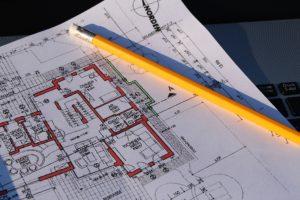 Willst du eine Souterrain-Wohnung kaufen und vermieten, prüfe auf jeden Fall die Baupläne um sicherzustellen, dass die Wohnung auch offiziell als Wohnraum zugelassen ist und es sich nicht nur um einen aufgehübschten Keller handelt.