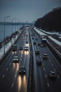 Kein Mieter mag Lärm. Auch wenn dein Mieter schnell auf der Autobahn sein will, so will er vermutlich nicht direkt daneben wohnen. Schon wenige hundert Meter machen hier den Unterschied in der Bewertung der Mikrolage.