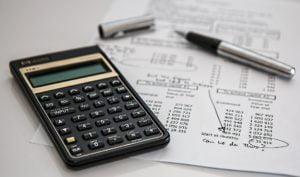 Die Hausgeldabrechnung: Sie zeigt dir welche Einnahmen und Ausgaben es für das Gemeinschaftseigentum deiner Immobilie im letzten Jahr gab.